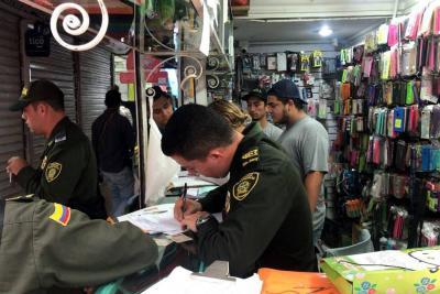 Policía realizó allanamiento en centro comercial de Piedecuesta