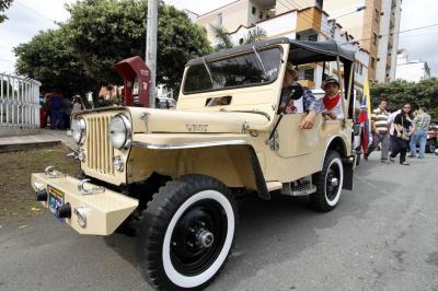 Los Jeep Willys recorren el cañón  y van rumbo a la 'Perla del Fonce'