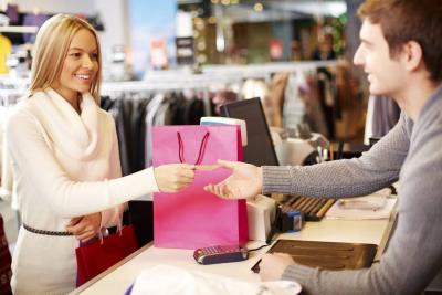 ¿Cómo impulsar las compras al por menor a fin de año?