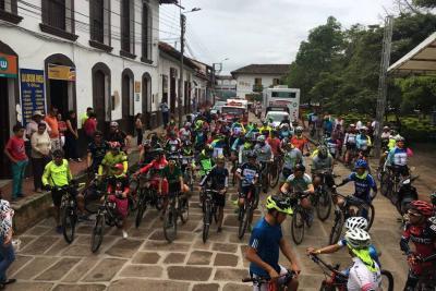 Exitoso evento de ciclomontañismo en el marco  de la IX Semana Cultural y Deportiva de Oiba