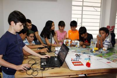 Niños representarán a Santander en robótica