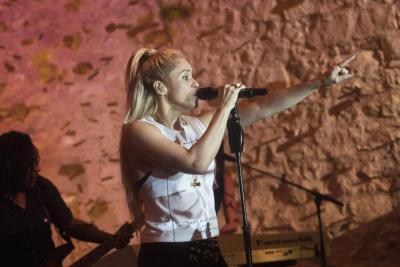 Shakira pospone su gira europea debido a una hemorragia en sus cuerdas vocales