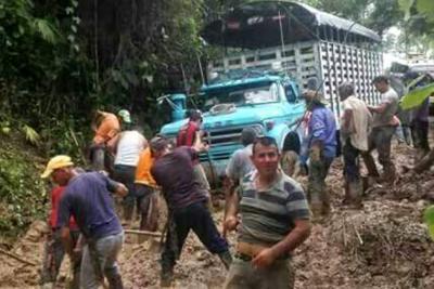 800 campesinos de Santander protestan por mal estado de sus vías