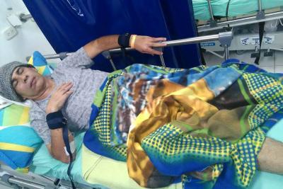 Taxista con cáncer de páncreas casi se lanza del octavo piso del HUS