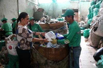 Coopreser enseña  y recicla por una  Bucaramanga mejor