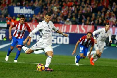 El derbi de Madrid se roba la atención en la Liga española