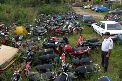 8 mil motos abandonadas en Bucaramanga serán 'reducidas a chatarra'