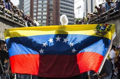¿Qué le espera a Venezuela y a sus vecinos tras entrar en default parcial?