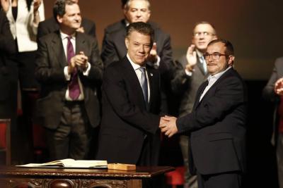 Presidente Santos y 'Timochenko' se reunirán este viernes