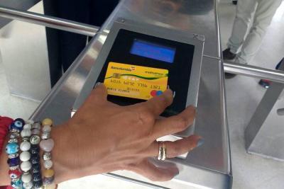 Tarjeta débito de Bancolombia servirá para acceder a Metrolínea