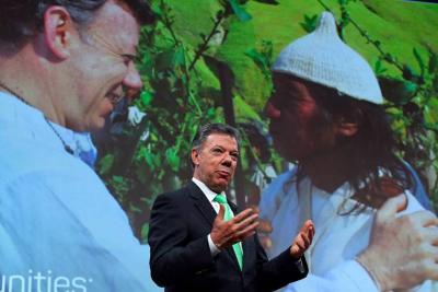 """Presidente Santos invitó a la Cámara a aprobar """"hoy mismo"""" la Justicia Especial para la Paz"""