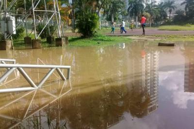 """Nuevamente se inundó """"el abandonado"""" estadio de atletismo de Bucaramanga"""
