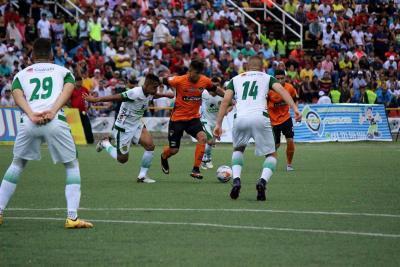 Leones goleó a Llaneros y se ilusiona con la final