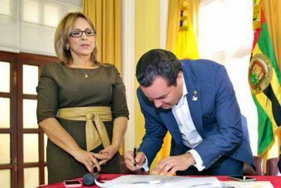 Gobernador de Santander responsabiliza a interventor de irregularidades en el PAE