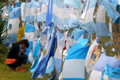 Argentina da por muertos a los 44 tripulantes del submarino