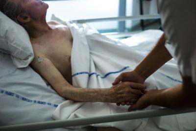 Coomeva niega derecho a vivir: pacientes crónicos con cáncer en Bucaramanga