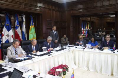 Gobierno y oposición venezolana buscan  una solución a la crisis