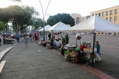 'Vender en la Plaza Cívica de Bucaramanga no es negocio': Ambulantes