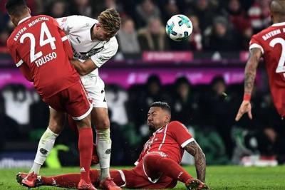 Con James todo el partido, Bayern venció 3-1 al Hannover 96