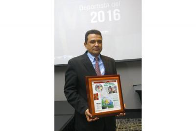 Premio destinado para la Mejor Autoridad Deportiva