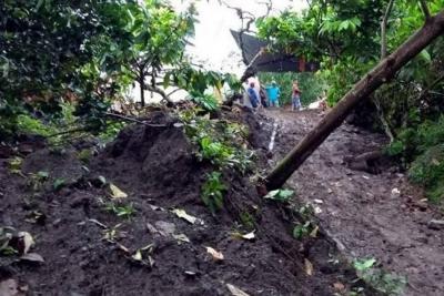 Buscan canalizar aguas filtradas en carretera a punto de desaparecer en Santander