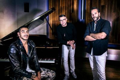 Artistas le cantan  a Juan Gabriel