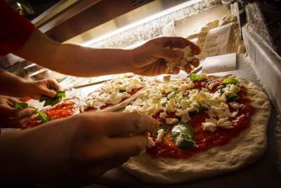 La pizza napolitana es reconocida como patrimonio inmaterial de la humanidad