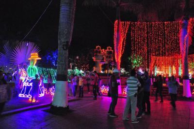 Encenderán iluminación navideña en Güepsa