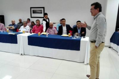Víctor Azuero renunció a la dirección del AMB