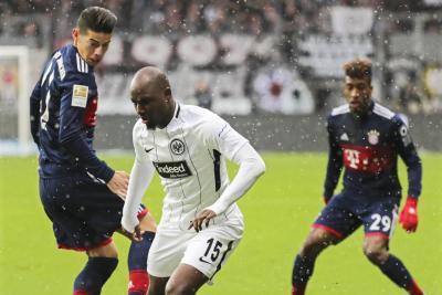 Con James todo el partido, Bayern Múnich venció 0-1 al Frankfurt