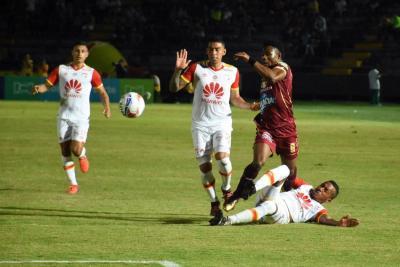 La liga colombiana busca finalistas con los equipos de Bogotá aventajados