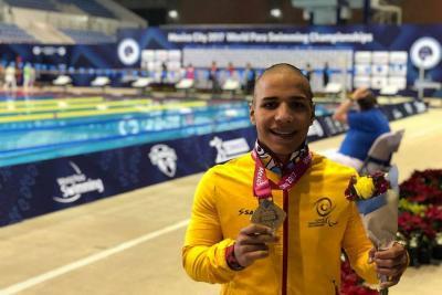 Los nadadores de Santander hicieron brillar a Colombia