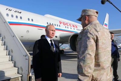 Putin llegó a Siria y ordenó el comienzo de la retirada de tropas rusas