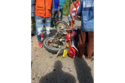 Choque de motos dejó un muerto