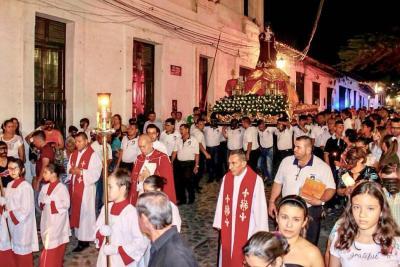 Gironeses disfrutaron de la procesión religiosa de San Benito de Palermo