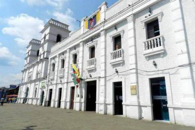 Alcaldía aprobó por decreto el pago de los profesores