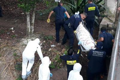 Hallaron cuerpo en descomposición en una cañada en Bucaramanga