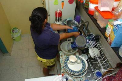 Solo al 14% de los empleados domésticos les pagan lo de ley