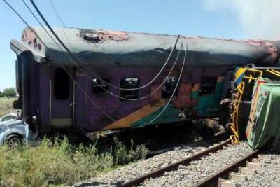 Accidente de un tren en Sudáfrica dejó varios muertos y más de 100 heridos