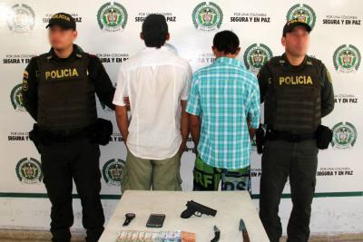 Con un arma de juguete dos hombres robaron a un taxista en Bucaramanga