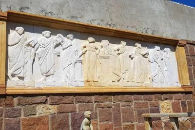 Mural resalta técnica de tallaje en piedra en San Gil