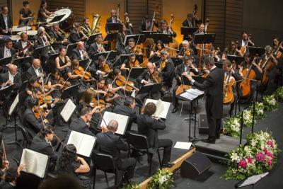 Tres músicos santandereanos de la Filarmónica de Bogotá tocan junto a Plácido Domingo