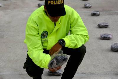 Capturan a uniformado de la Sijín tras ser encontrado con un kilo de marihuana