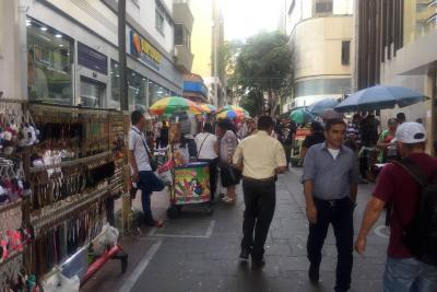 Comercio formal critica la permisividad de Alcaldía de Bucaramanga con ambulantes