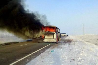 Incendio de un bus dejó 52 personas muertas
