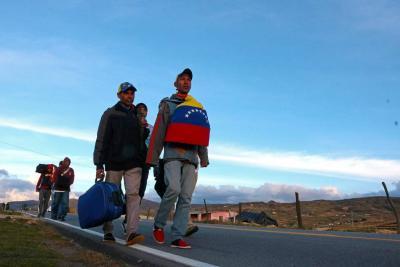 Huir del hambre...  a pie de Venezuela a Bucaramanga