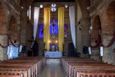 Balance positivo del trabajo del sacerdote de Santa Bárbara