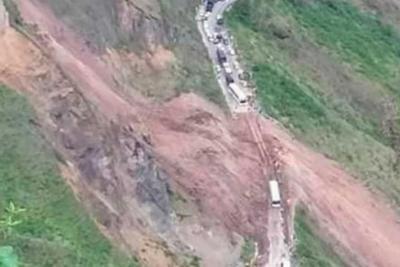 13 muertos deja derrumbe en la vía entre Pasto y Tumaco