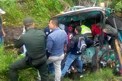 Accidente vial en Antioquia deja cuatro personas muertas
