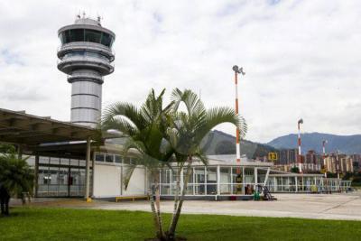 Emisora 'pirata' pudo generar una emergencia en aeropuerto de Medellín